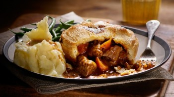 beef_and_ale_pie_960x557-660x371